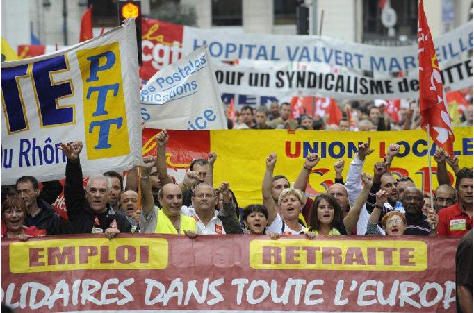 法国公务员大罢工 为了让政府听到自己对政改的深刻不满