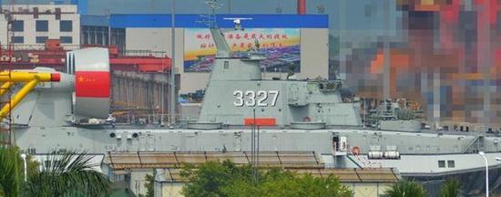 中国造出最变态军舰 堪比一艘4万吨级别的两栖攻击舰