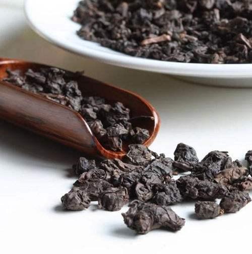 老茶价格一路飙涨 茶叶真的适合收藏吗?