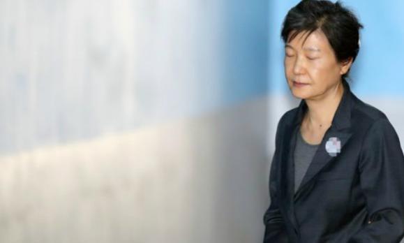 朴槿惠未获自由身 朴槿惠的拘留时间将再延长6个月