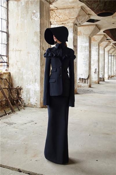 Vera Wang于巴黎时装周期间发布2018春夏系列时装