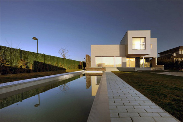 碎片豪宅:将紧凑型空间转化成块状