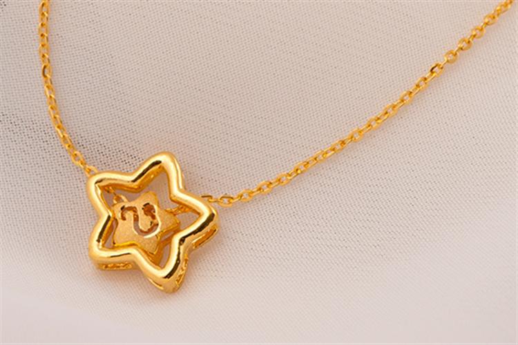 潮宏基珠宝12星座黄金吊坠项链足金锁骨链_珠宝图片