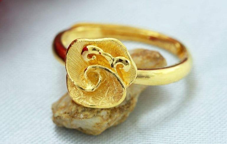 黄金等贵金属首饰保养方法