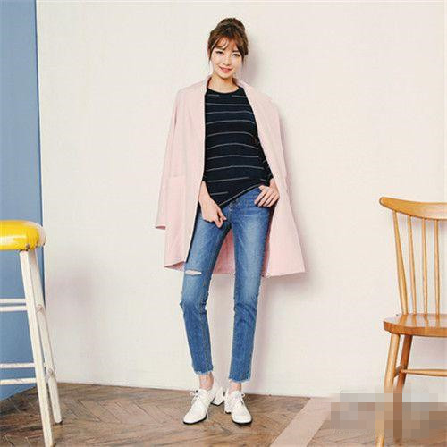 秋冬穿衣搭配造型示范 粉红色系外套你敢穿么