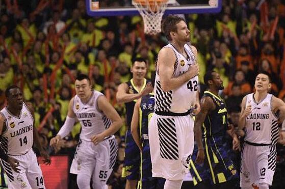 新赛季CBA推迟一周开赛 新疆男篮希望将新赛季揭幕战重新带回乌鲁木齐