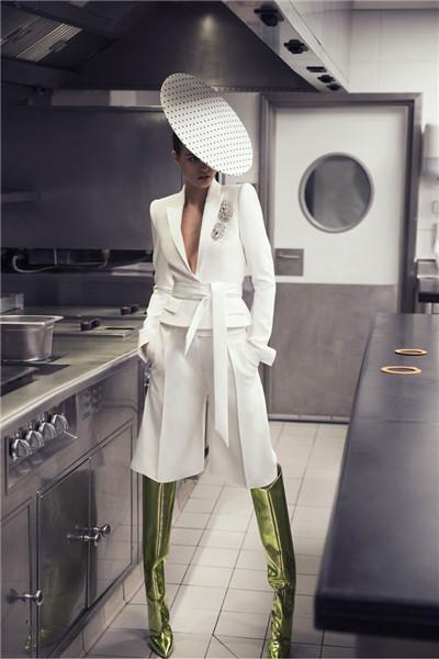 Alexandre Vauthier服装品牌释出2018春夏系列时尚型录