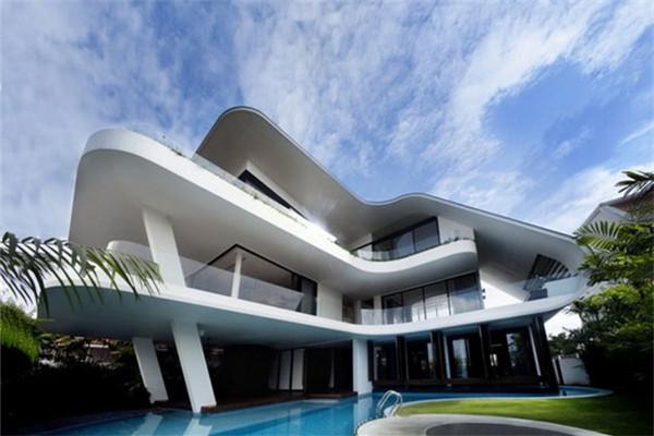 新加坡白色豪宅:矗立在实乞纳山顶上的壮丽景色