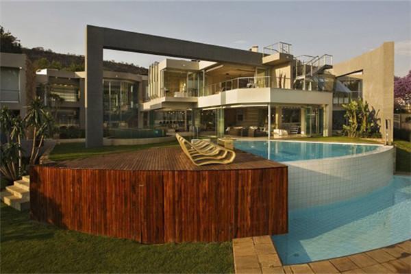 约翰内斯堡私家豪宅:拥有4000平方米面积的奢华住宅
