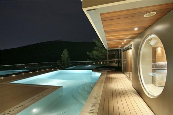 雅典南郊豪宅:采用顶级建筑材料打造的住宅