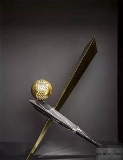 卡地亚推出全新三系列腕表 延续简约优雅的风格