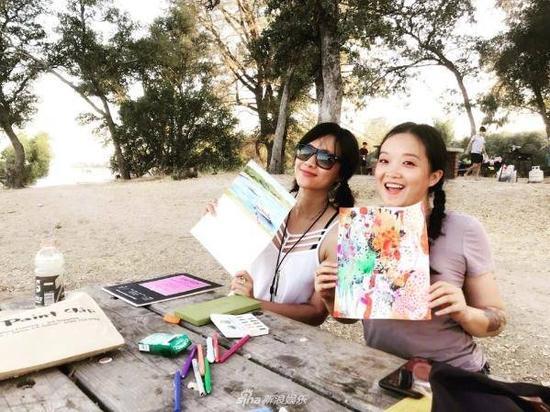 徐静蕾晒画作水平惊人 俨然是一个被演艺事业耽误的画家!