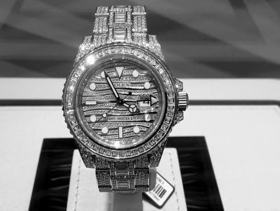 钻石腕表保养与收藏需要注意什么