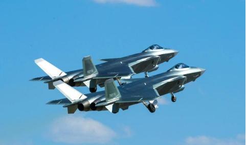 中国空军曝歼20新照 歼20让中国空军首次获得了质量和数量的双重优势