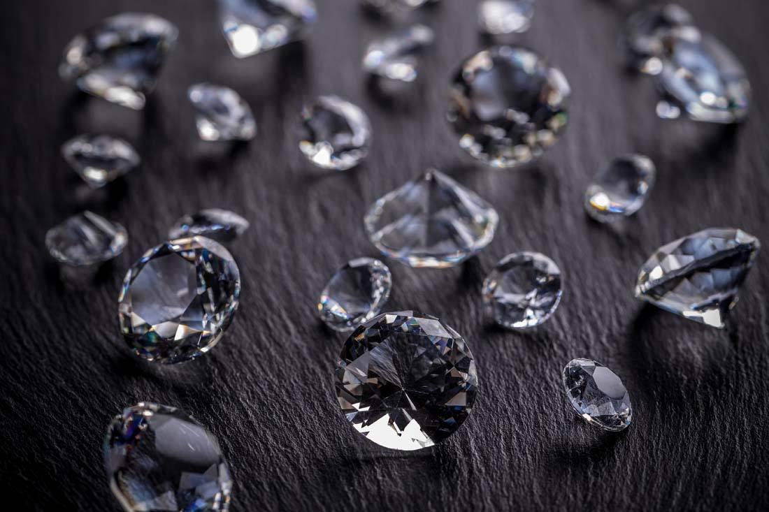 钻石怎么辨别真假