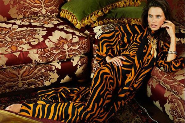 超模Bianca Balti为《L'Officiel》杂志俄罗斯版拍摄大片