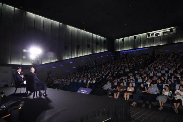 刘强东分享创业经历:只要坚持做正确的事就会成功