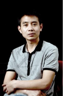 """景德镇""""山水大王""""王云泉:以瓷画书写艺术人生"""