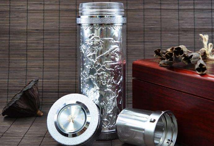 2、在热水瓶胆生产过程中,白银是最好的胆内涂层