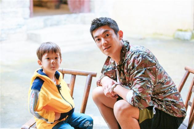 杜江不反对嗯哼入娱乐圈:完全看他有没有天赋和意愿