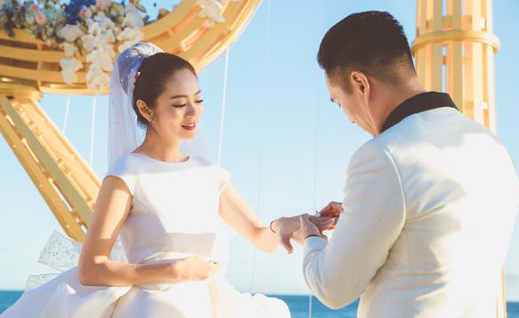 安以轩回应当继母传闻:陈先生和我是第一次结婚