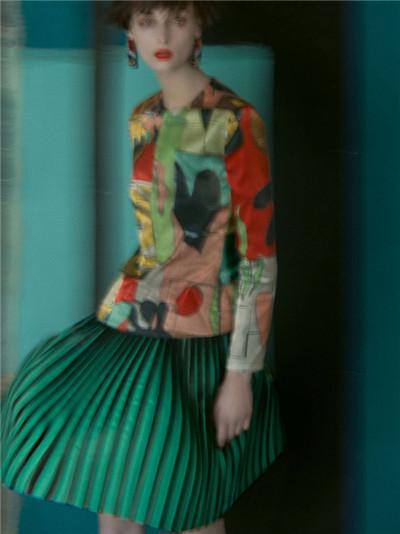 Giorgio Armani发布2018春夏系列新品广告大片