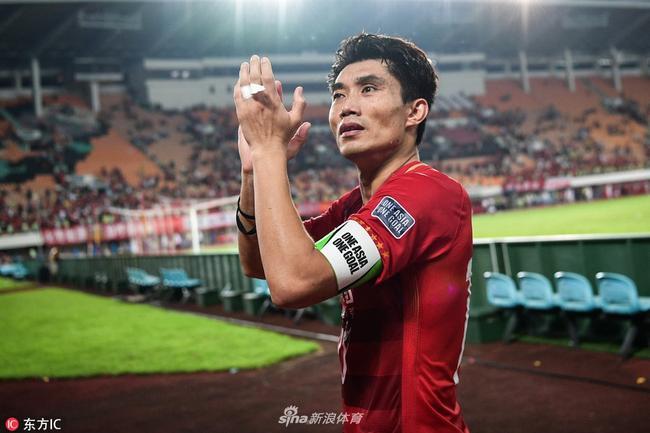 郑智或中国杯才能重返国足 谁能在中场顶替他成为新的大脑?