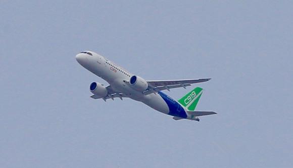 国产飞机C919从上海浦东转场西安阎良 首飞里程1400公里