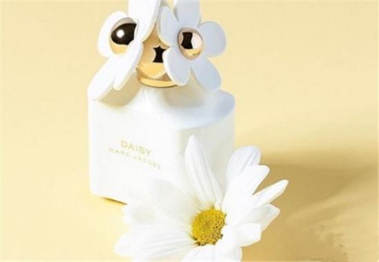 Marc Jacobs推出全新圣诞限定系列香水