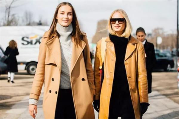 冬装穿衣搭配造型示范 原来驼色大衣才最显气质