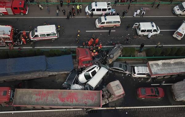 安徽境内高速多车连环相撞 事故造成10人遇难多人受伤