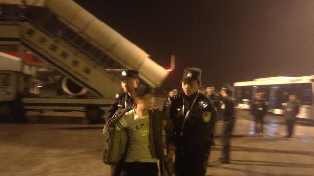 川航因扰序案急降长沙 旅客大喊:有人要劫机