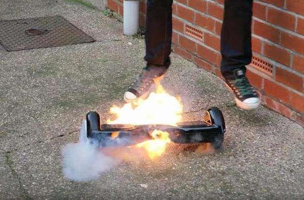 电动滑板又引起火灾 被警告和召回