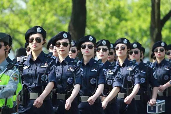 杭州西湖女子巡逻队里有位高颜值全能妹子