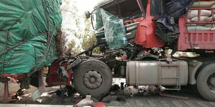 安徽高速30余辆车相撞 具体伤亡保险公司正在调查核实