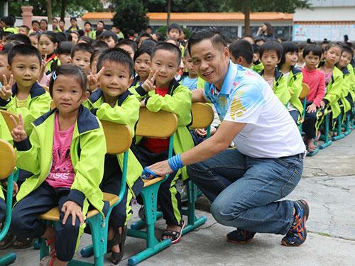 冠军课堂:广东体彩传递体育的温度和力量!