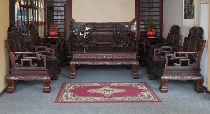红木家具价格:大红酸枝云福松鹤图沙发十一件套价格多少?