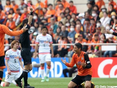 日籍裁判吹足协杯决战 饭田淳平曾在2009年创下了世界足球历史最快出红牌纪录
