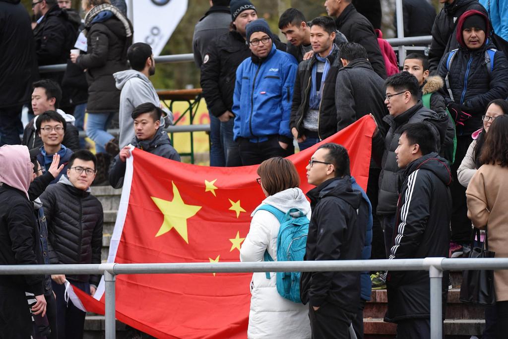 国足U20比赛被藏独旗挑衅 中方队员随即退出赛场