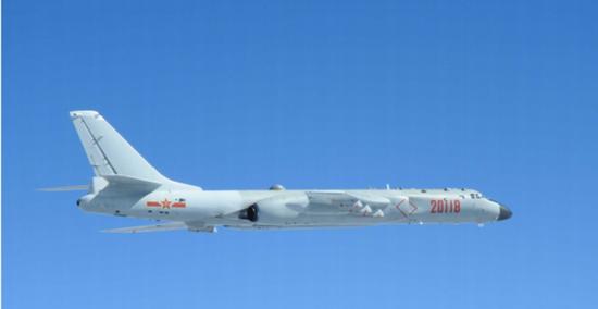 台媒:6架解放军军机跨越第一岛链 国防部:大惊小怪