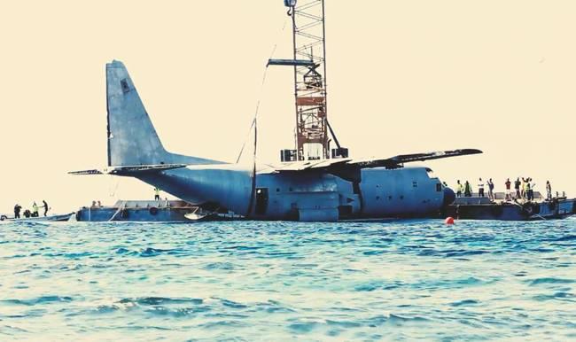 军机充当珊瑚礁 系约旦皇家空军服役的一架C-130军用运输机
