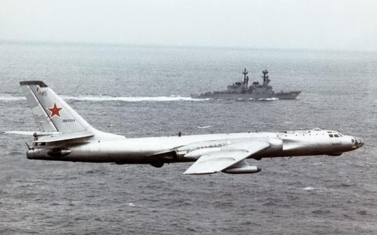 中国隐形轰炸机2年内或首飞 前身是60多年前首飞的图-16轰炸机