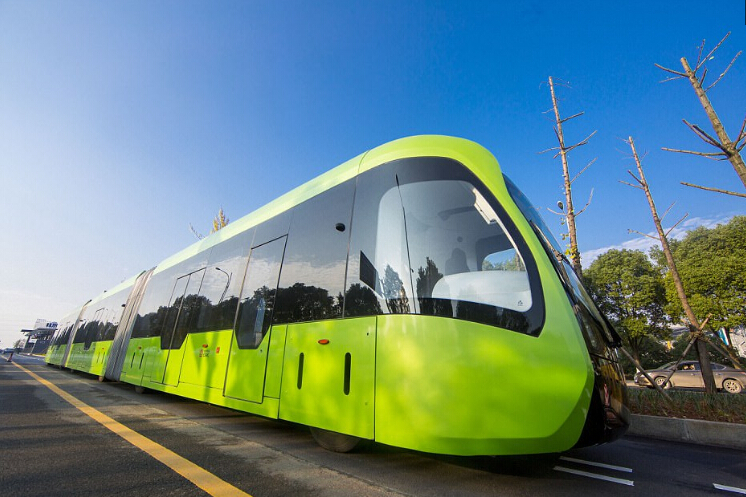 无轨电车领先全球 充电10分钟即可行驶15.5公里