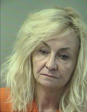 美国65岁女子枪杀72岁丈夫 被指控二级谋杀