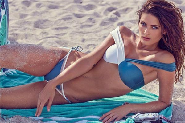 超模Isabeli Fontana登上《GQ》杂志巴西版11月号封面