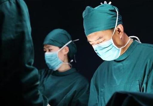 《急诊科医生》网播量突破40亿 周大生情景风格珠宝同步解读