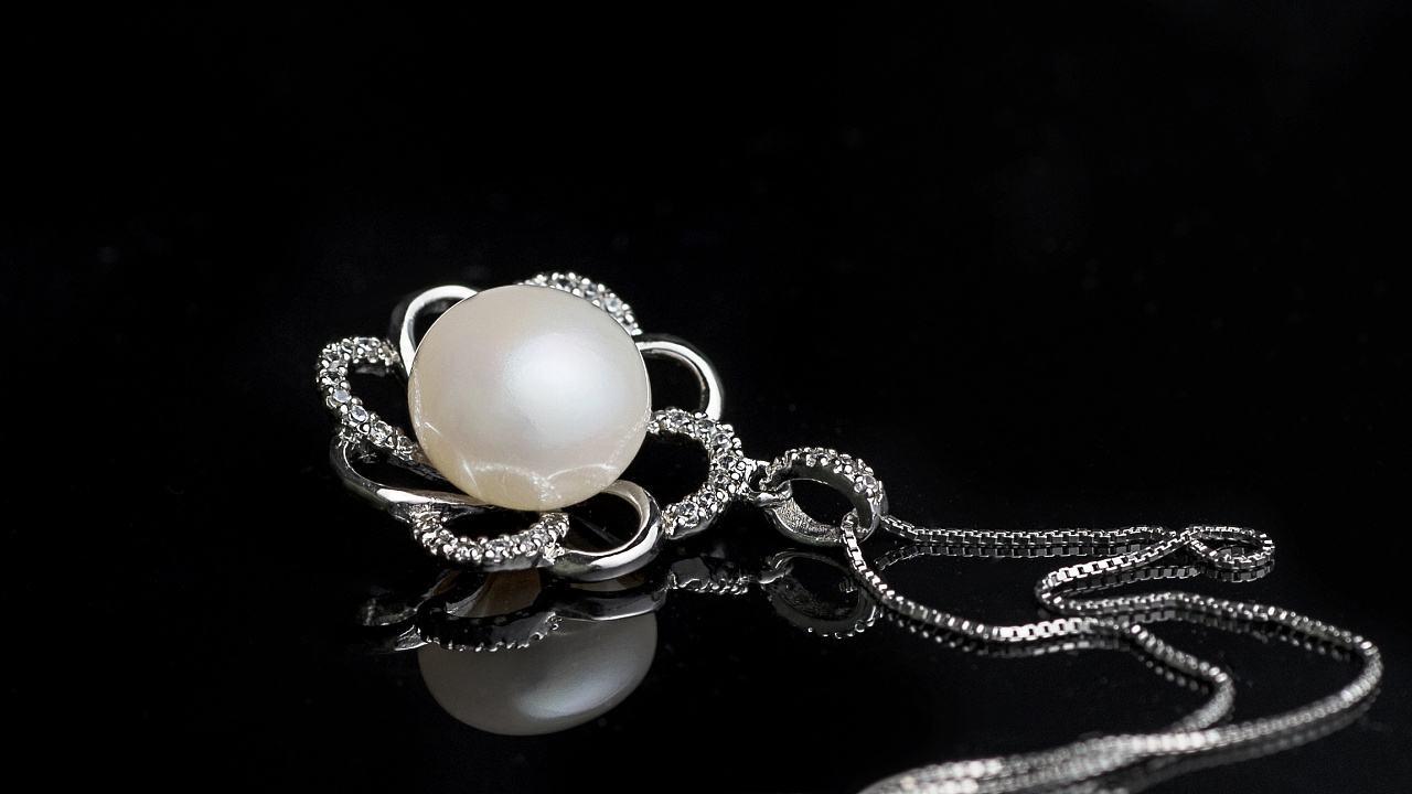 珍珠真假辨别方法