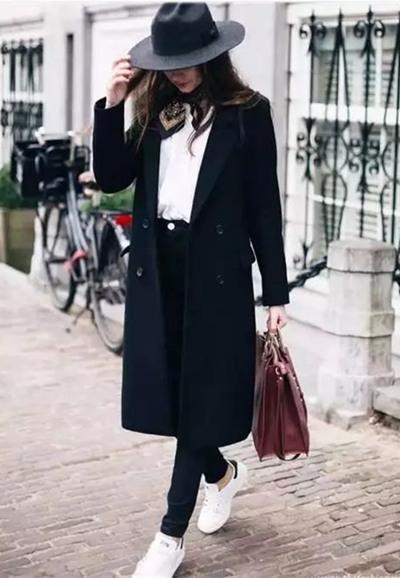 时尚达人穿衣搭配示范 三款内搭让你散发时髦气场