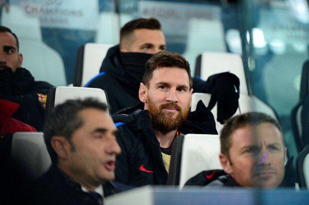 健康的梅西坐在替补席 梅西坐替补席的场面实属罕见!