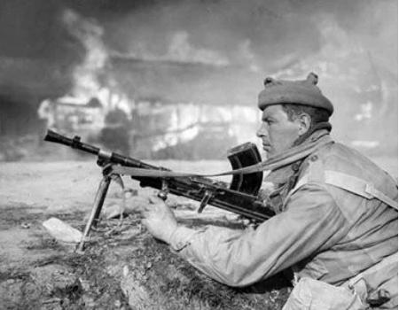 志愿军战术吓尿英军 因志愿军持续不断的炮击炮弹攻击